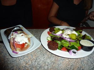 Chicken souvlaki and house salad with falafel