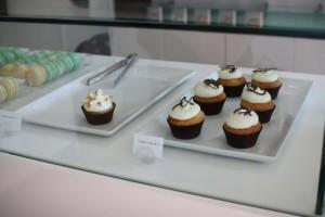 Cupcakes at Tout de Sweet