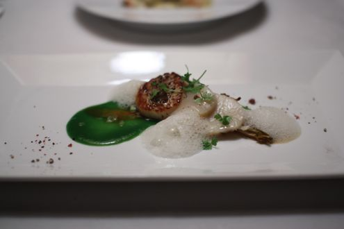 Seared sea scallop with leek puree and caramelized endive