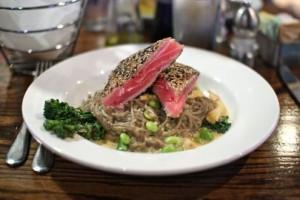 Red curry yellowfin tuna